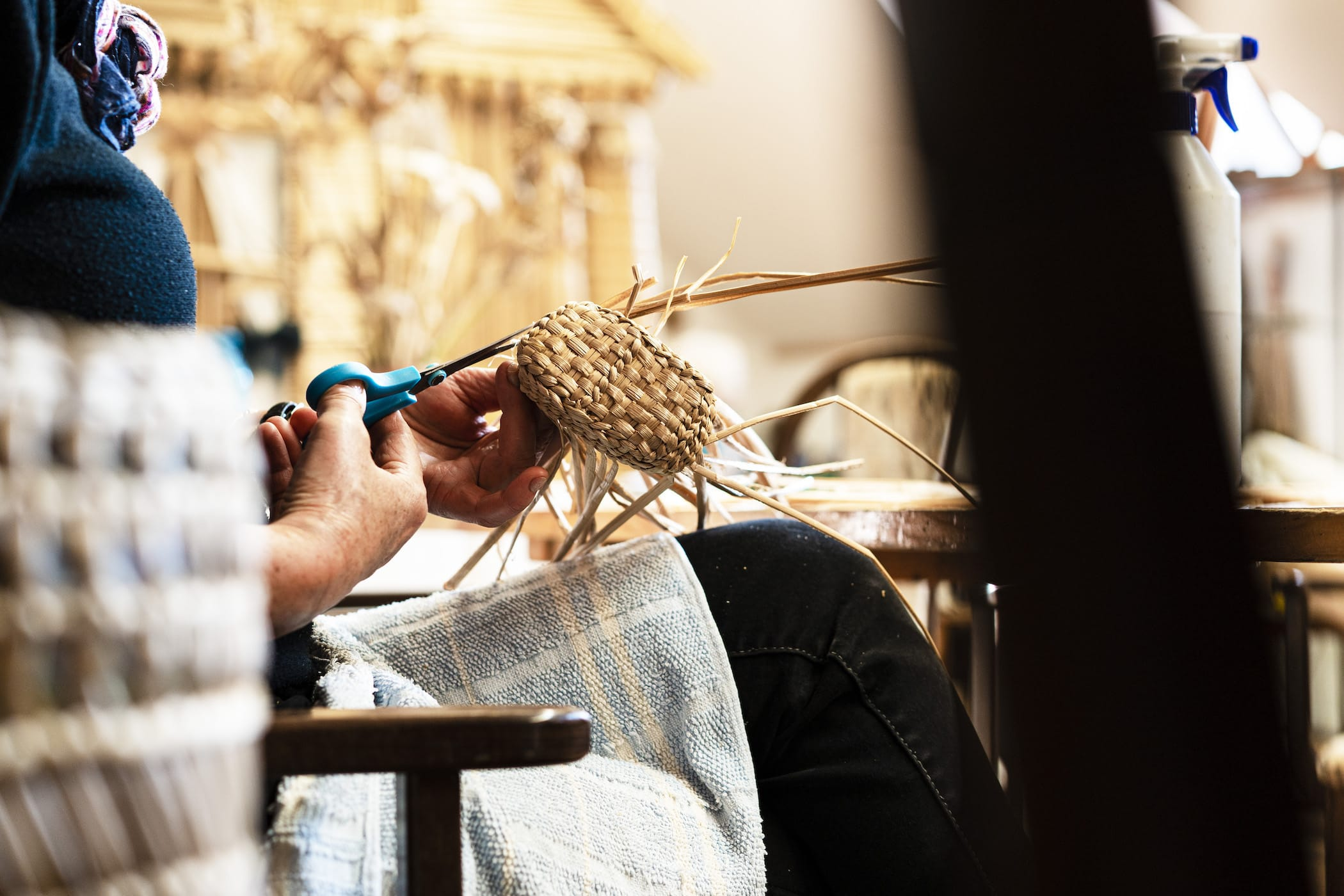 Cat tail weaving in Hungary. Photo: Pauline Thurn und Taxis